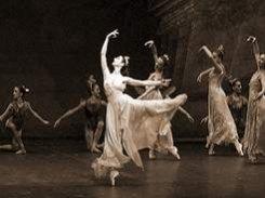 22 – декабря. Ла Скала закрывает год Италии в России  легендарным балетом «Сон в летнюю ночь» в хореографии Джорджа Баланчина.