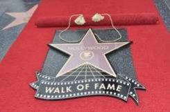 2 мая. Голливудская Аллея Славы пополнилась звездой с именем Скарлетт Йоханссон