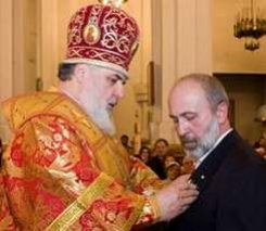 Очень важно познакомить греческий мир с российскими новомучениками...