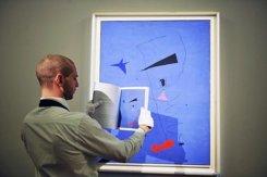«Голубая звезда» Хоана Миро установила мировой рекорд на торгах Sotheby's