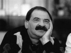 Как легендарный композитор Януш Стоклосса поцеловал Илье Олейникову руку...