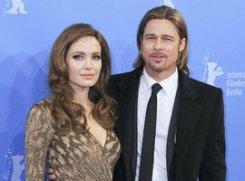 Джоли и Питт поженятся в открытом море