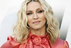 Мадонна посоветовала американским властям «не влезать в Сирию»