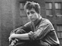 Легендарный автор-исполнитель Боб Дилан переиздаст все свои альбомы.