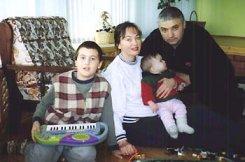 Лариса Гузеева рассказала журналистам, что ее избил муж
