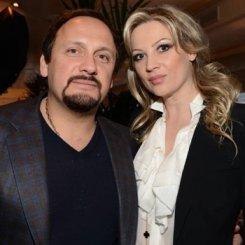 Стас Михайлов с женой отсудили у СМИ более 1 млн рублей.