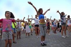 С 3 мая в Измайловском парке стартовал цикл оздоровительных программ выходного дня «Часы здоровья»