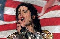 Новый альбом покойного Майкла Джексона набирает популярность
