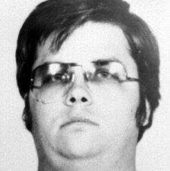 Убийце Джона Леннона в восьмой раз отказали в освобождении