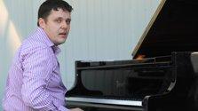 Избит пианист Иван Фармаковский