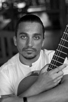 26 сентября. Мировая премьера концерта для гитары с оркестром Паганини