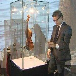 В Петербург привезли скрипку Страдивари