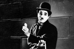 В Париже похищен первый «Оскар» Чарли Чаплина.