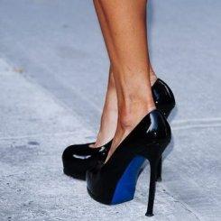 Ученые доказали вред от обуви на высоком каблуке