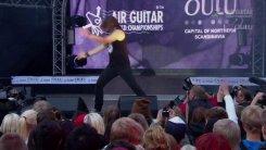 Россиянин лучше всех сыграл на воображаемой гитаре