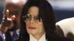 На ранчо Майкла Джексона обнаружили коллекцию нелегальных порно-материалов