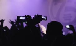 Снимать концерты на айфон станет невозможным